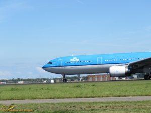 Airbus 330-300 – PH-AKB KLM Piazza Navona Roma