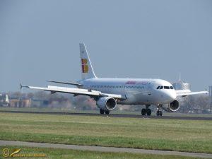 Airbus A320-214 – EC-LEA Iberia Express