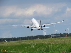 Airbus A330-343 – C-GHLM Air Canada