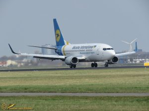 Boeing 737-528 – UR-GAT Ukraine International Airlines