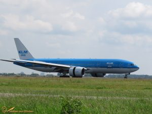 Boeing 777-206(ER) – PH-BQH KLM Asia Hadrian's Wall