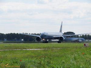 Boeing 777-300 ER - B-KQN Cathay Pacific Airways